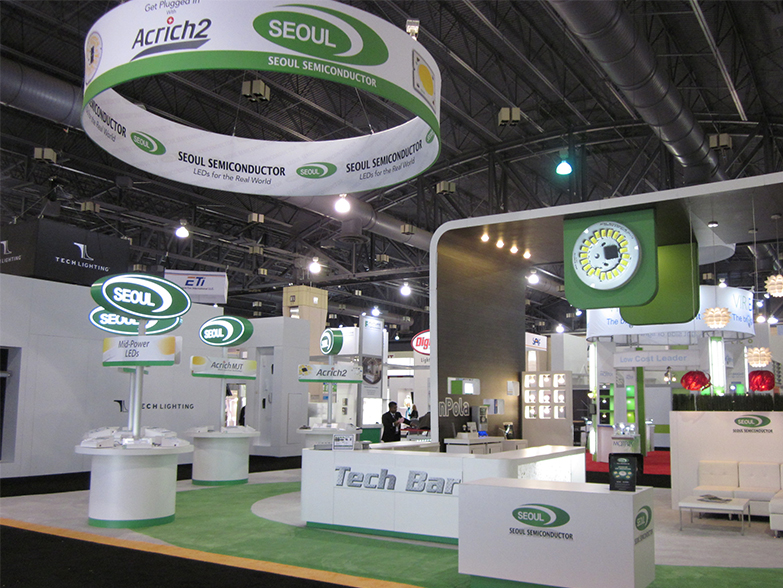 Expo Stand Banner : Suspended hanging banners for exhibition retail use